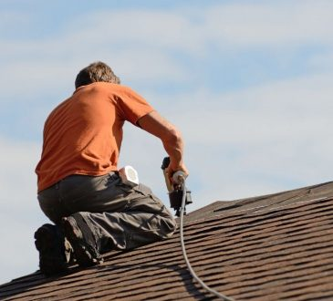 Calculating Costs for a New Roof in Farmington Hills Michigan