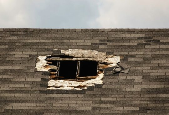 4 Things That Can Damage your Roofing in Brownstown Michigan