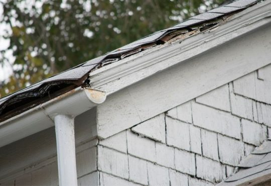 Why Is My Roof Leaking? Common Problems To Why Your Roof in Downriver Michigan Is Leaking