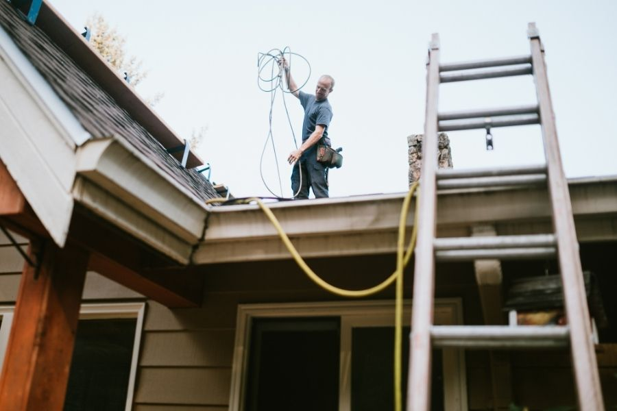 Signs That You May Want To Consider Replacing Your Roof in Ypsilanti Michigan
