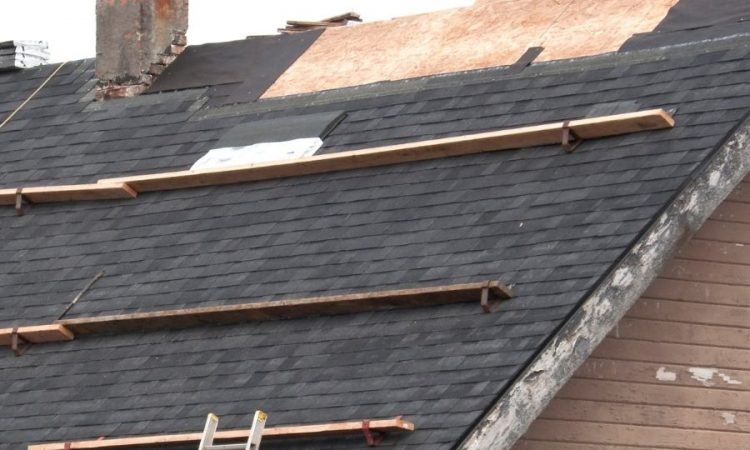 Top 5 Signs You May Need a New Roof in Dearborn Michigan